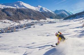 Livigno zahajuje zimní sezonu. Bude hostit mezinárodní závod a nabízí skipassy zdarma