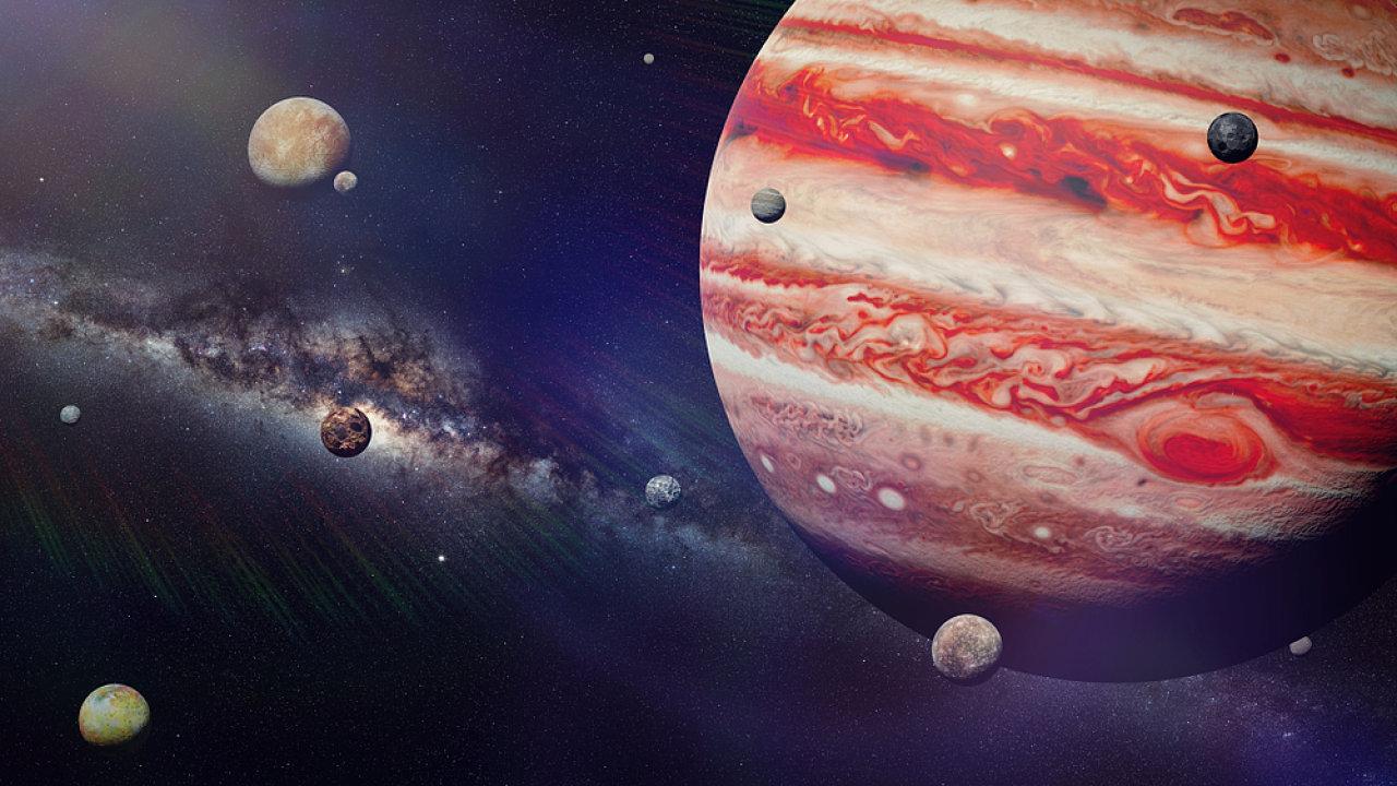 Jupiter, měsíce