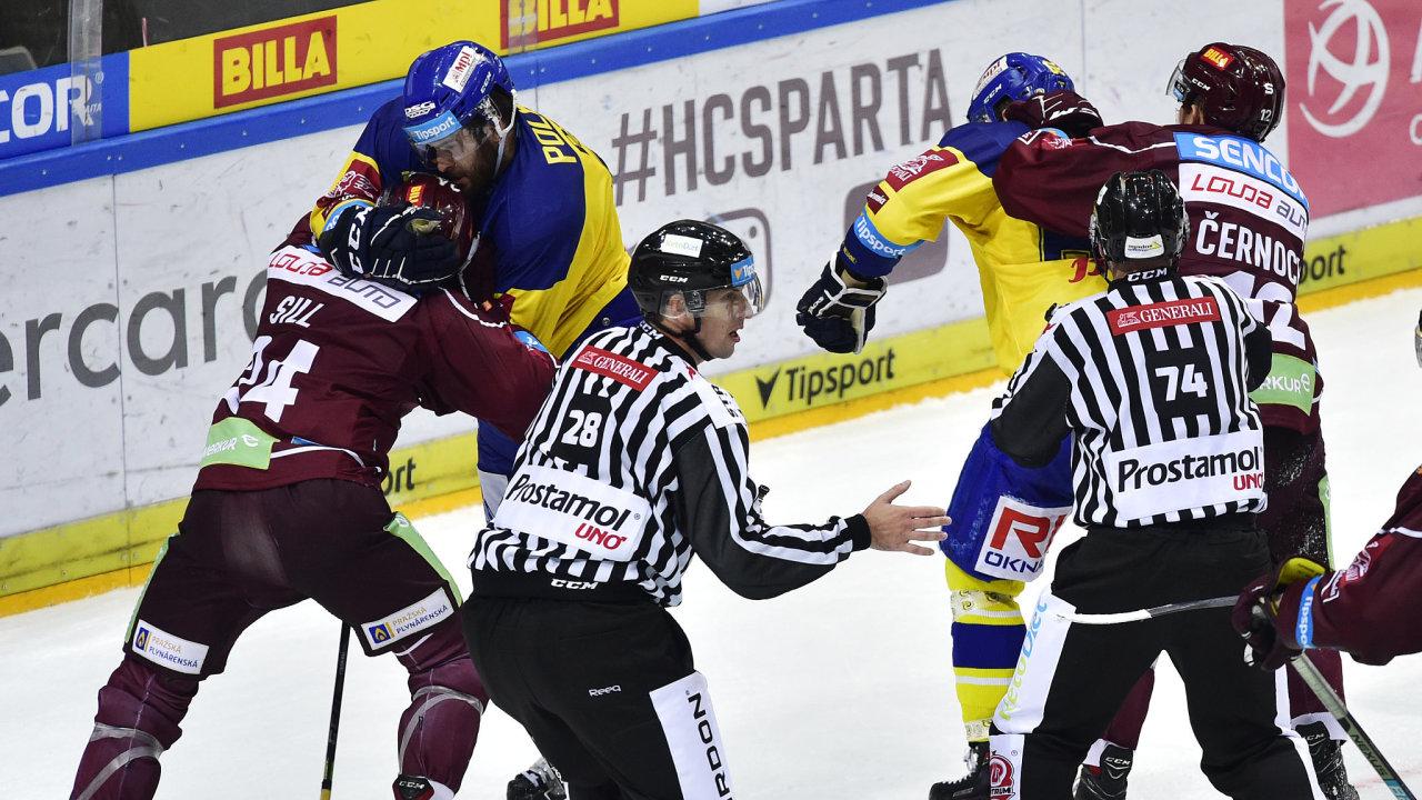 Osmé kolo hokejové extraligy HC Sparta Praha – PSG Berani Zlín 7. října 2018 v Praze.