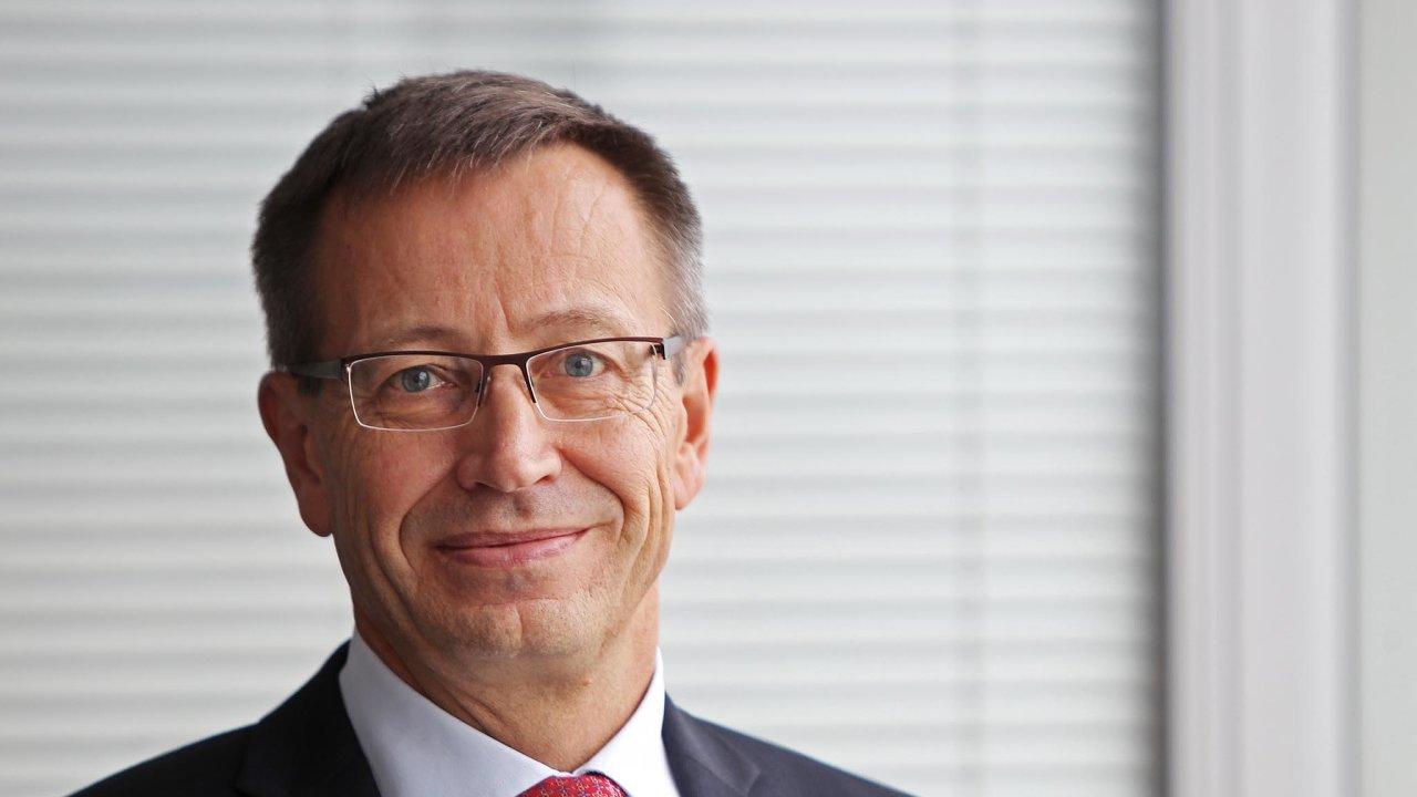 Ve čtvrtek má narozeniny Martin Žáček (54), předseda představenstva a generální ředitel Uniqa pojišťovny.