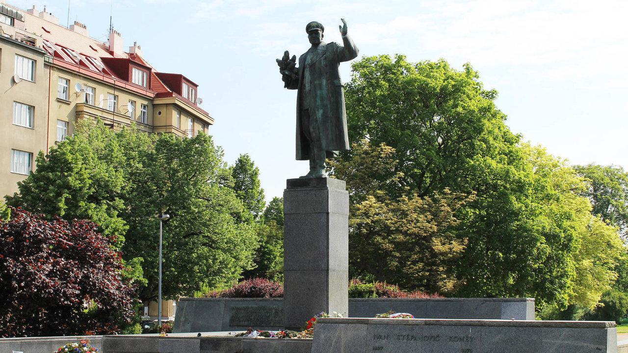 Rusko-české boje ohledně pomníku maršála Koněva se dají brát jako důkaz problematiky prosovětské interpretace moderních dějin, která se podle BIS učí ve školách.
