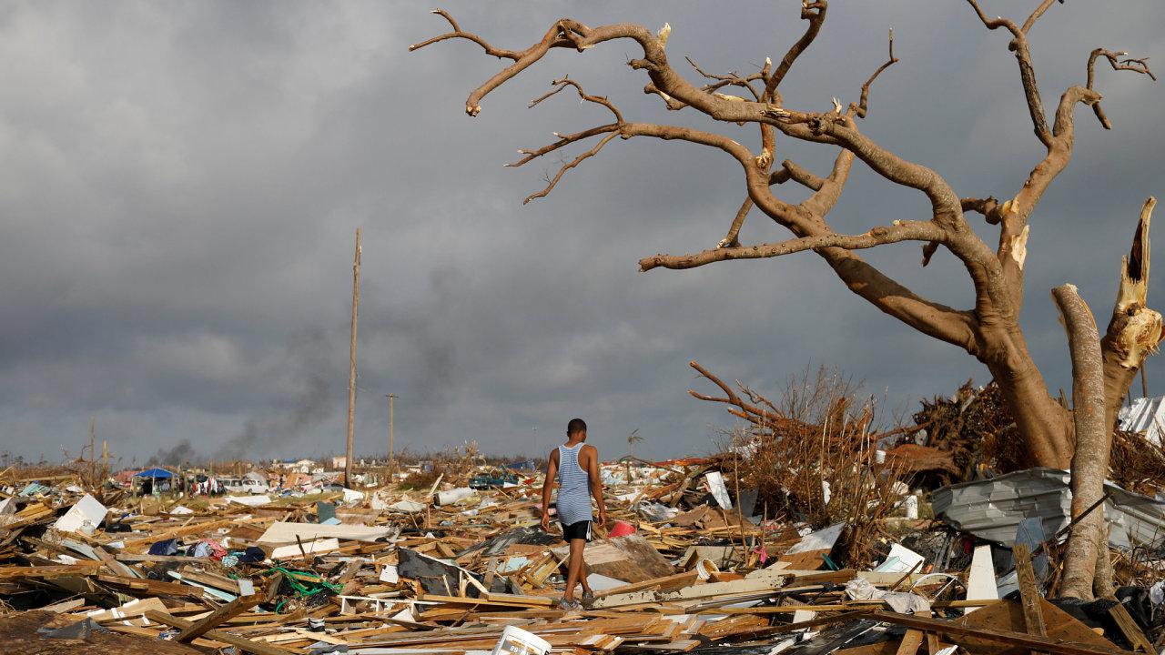 Hurikán Dorian si na Bahamách vyžádal nejméně 30 obětí, podle úřadů ale toto číslo dál poroste.