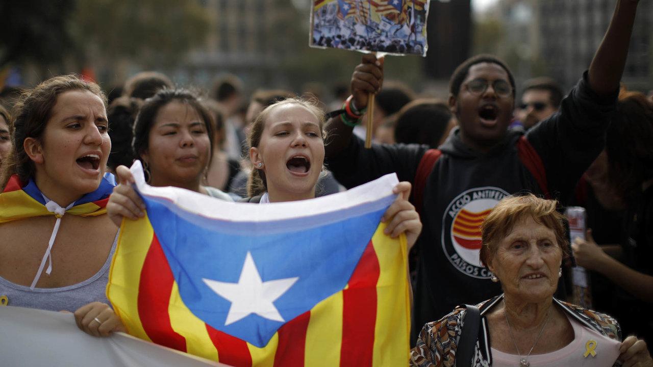 Příznivci katalánské nezávislosti nesouhlasí s vysokými tresty pro odsouzené politiky.