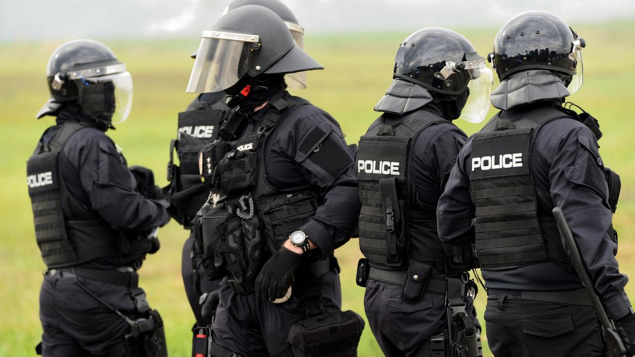 Policie vyzvala, aby se lidé oblasti vyhnuli - Ilustrační foto.