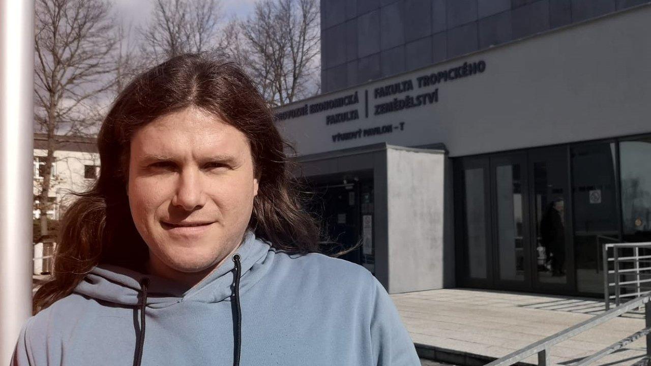 Virolog Jiří Černý