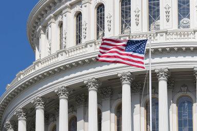 Americká administrativapřipravuje plán nazáchranu ekonomiky alobbisté se snaží pro své klienty ztéto pomoci získat maximum.