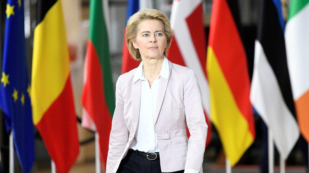 Šéfka Evropské komise Ursula von der Leyenová upozorňuje na nutnost společného postupu EU při uvolňování opatření prosti šíření covid-19.