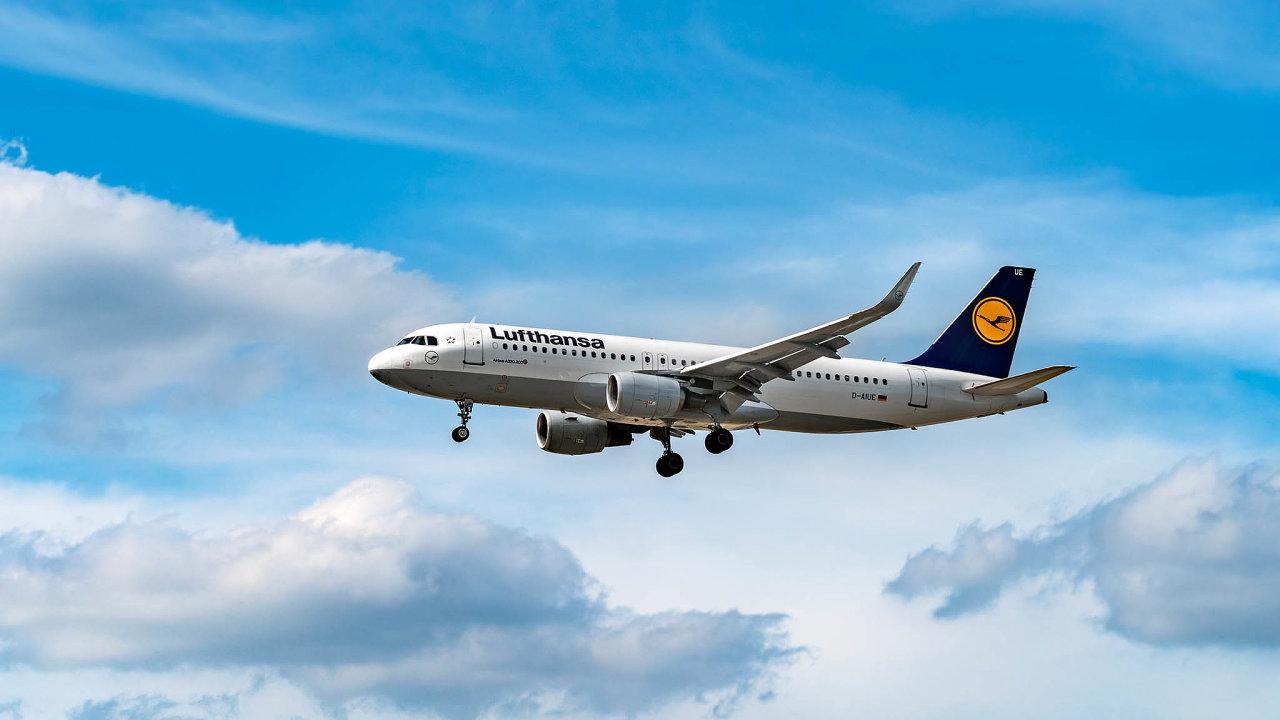 Lufthansa se v roce 1997 stala jedním za zakládajících členů Star Alliance, vůbec nejstaršího sdružení spolupracujících leteckých dopravců.
