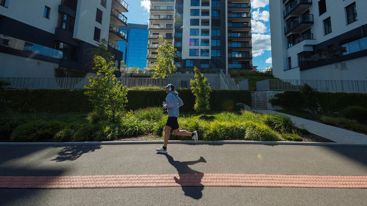 Vholešovické rezidenci Marina Island se 80metrový byt pronajímá za36 tisíc korun.