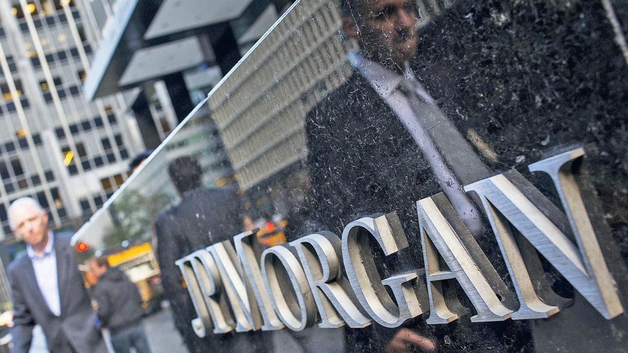 Americká banka JPMorgan v prvním čtvrtletí zvýšila zisk téměř o 400 procent na 14,3 miliardy USD, Goldman Sachs téměř o 500 procent na 6,7 mld. USD.
