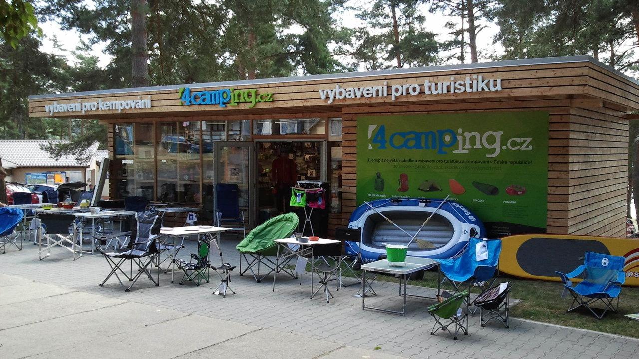 Prodejna eshopu 4camping v autokempu Vranovská pláž.