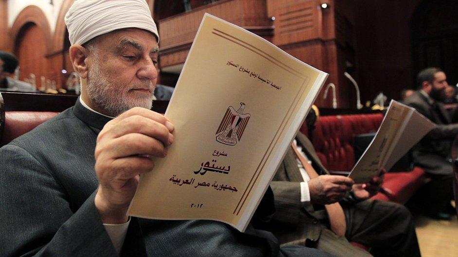 Hlasování o přijetí návrhu na novou egyptskou ústavu v Káhiře