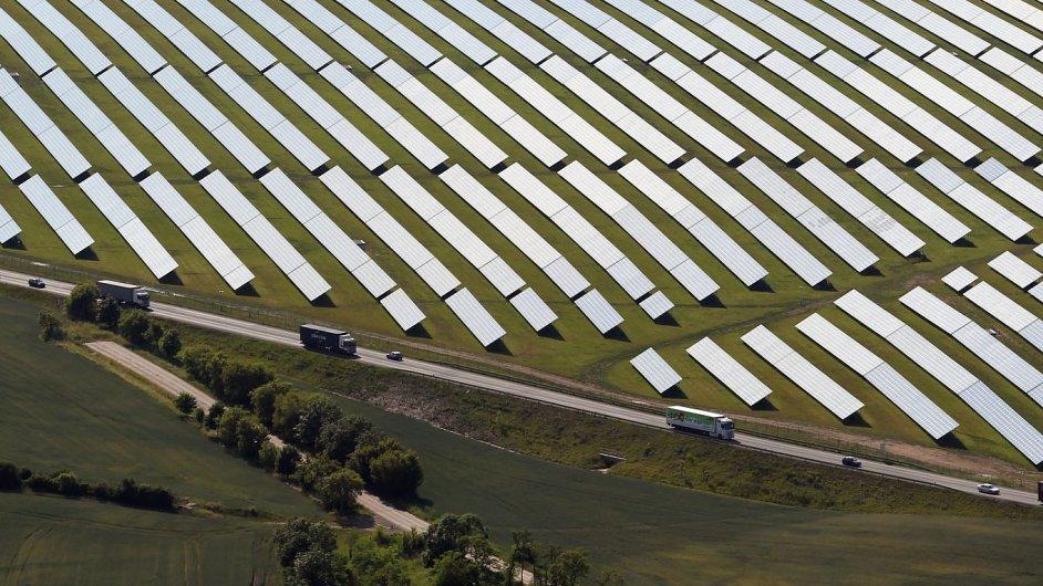 Ilustrační foto - solární elektrárna