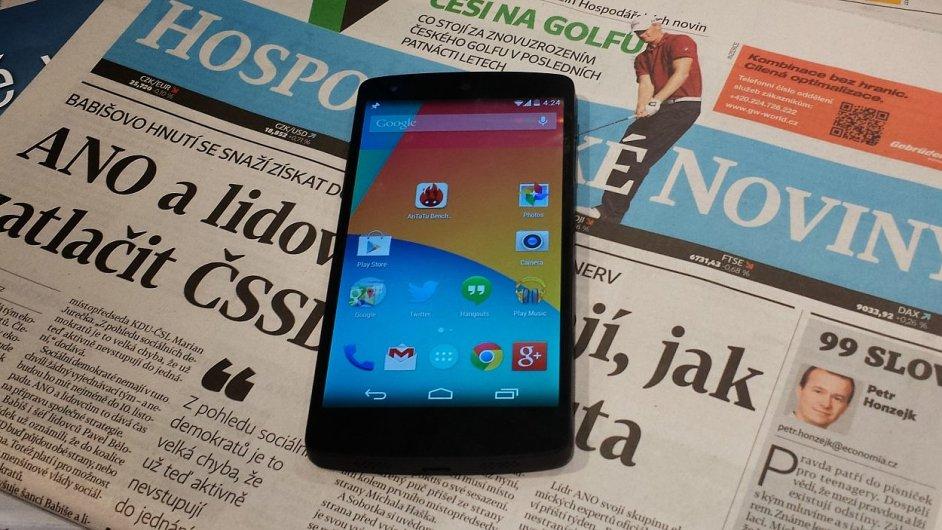 Google Nexus 5 v redakci