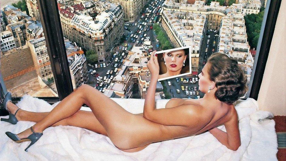 Jeden z mnoha snímků Newtonovy oblíbené modelky Gunilly Bergströmové z roku 1976.