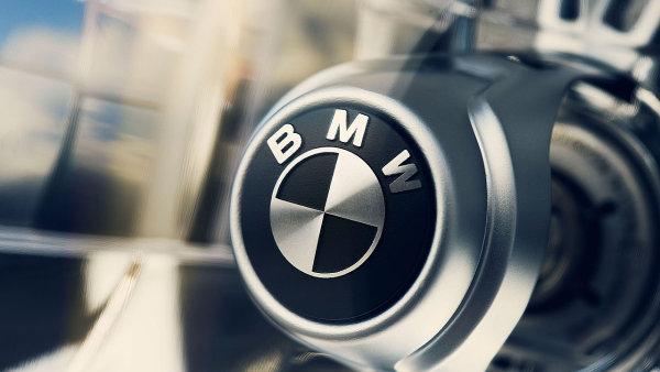 Spole�nost BMW se stala jedni�kou sv�tov�ho trhu s luxusn�mi automobily v roce 2005.