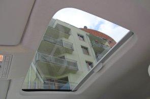 Tip na teplé dny: Deset nejlevnějších aut se střešním oknem