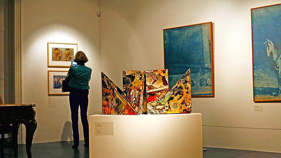 Snímek z vernisáže výstavy Jiřího Koláře v Museu Kampa.