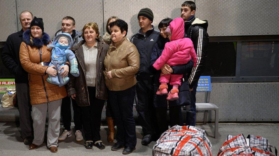 Do Česka dorazila první skupina krajanů z Ukrajiny.