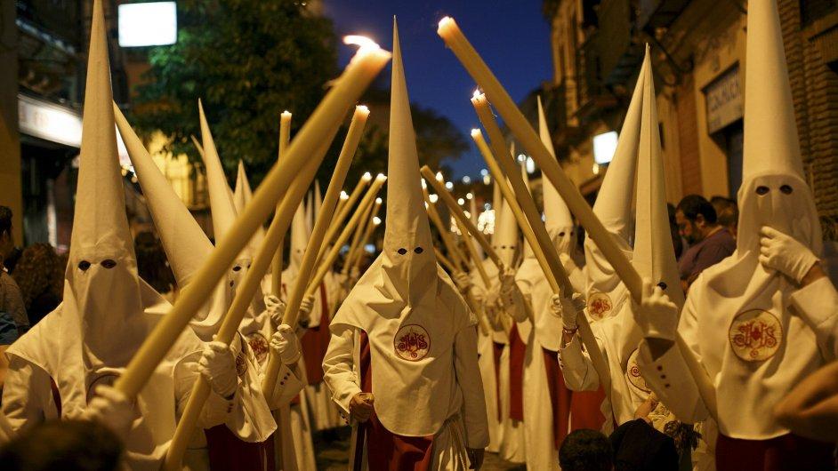 Náboženská procesí ve Španělsku.