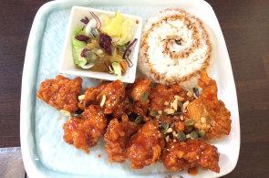 V Mamy Korean umí famózní salát kimčchi a předkrm tu dostanete zdarma