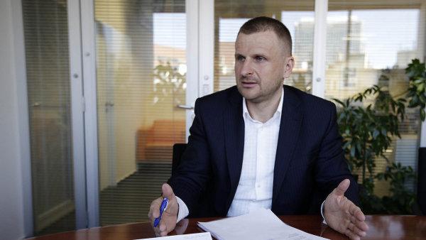 Krúpa premiéra Sobotku před několika dny vyzval k nápravě škod způsobených privatizací bytového fondu OKD.