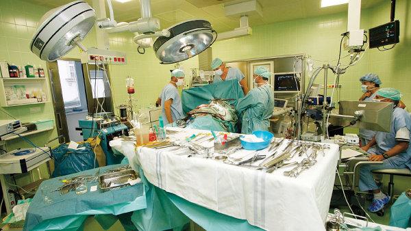 Nejvy��� pojistky by m�ly m�t ty nemocnice, kter� maj� chirurgii a porodnici.