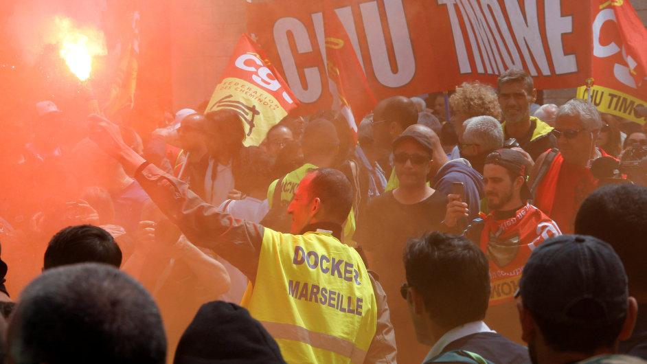 FF 0526JPP04 FRANCE POLITICS PROTESTS 0526 11