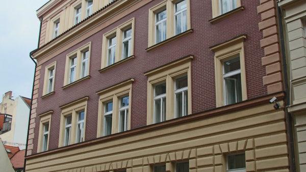 Noví majitelé v budově plánují hotel.