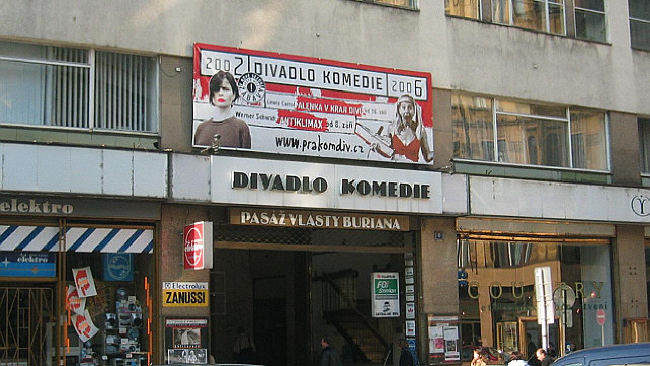 V budově Divadla Komedie (na archivním snímku) letos v dubnu skončila společnost Divadlo Company.cz.