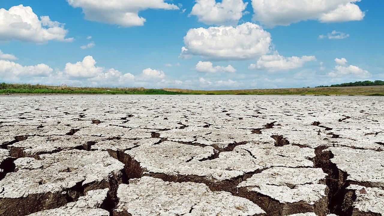 Místo jara rovnou léto. Děsí mě, že se naplňují naše modely, období sucha budou delší, říká šéf ČHMÚ