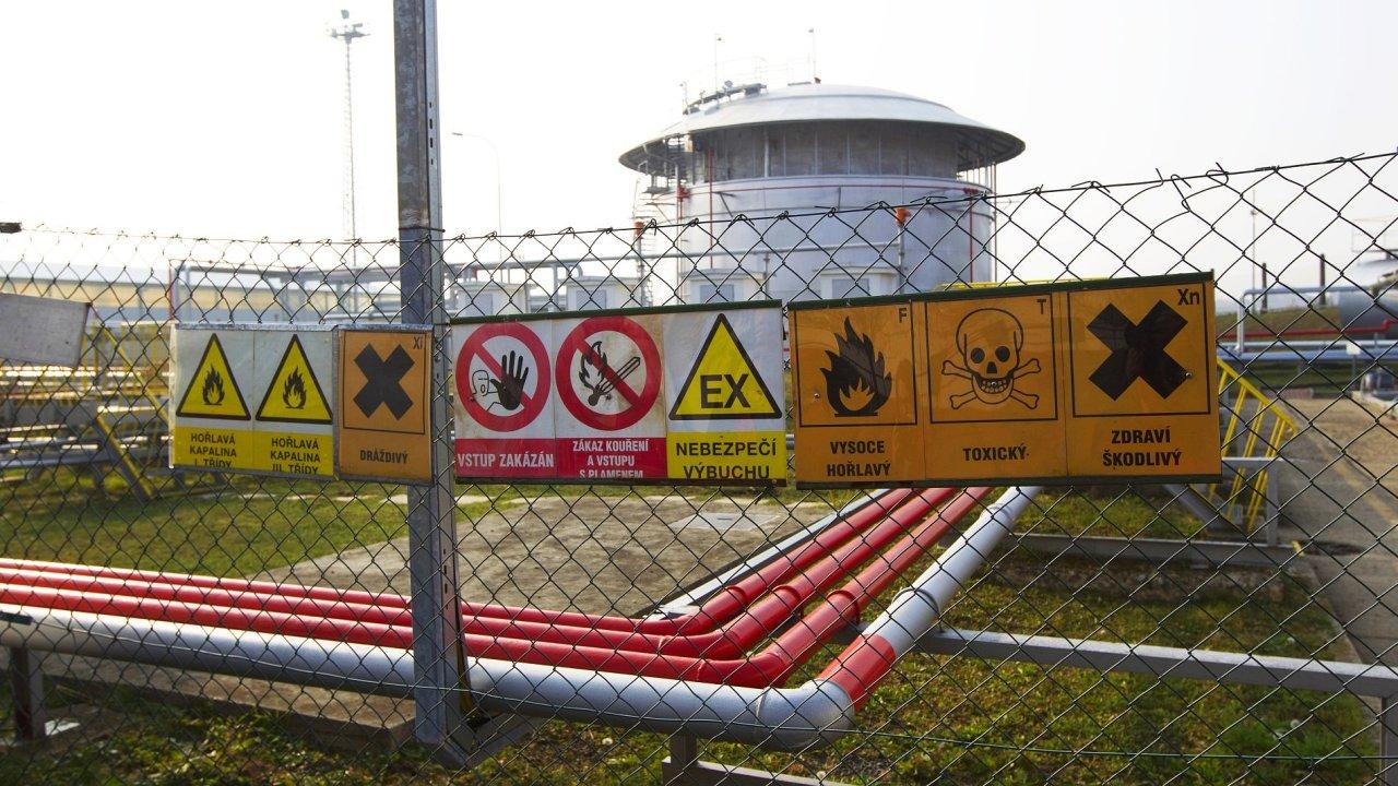 Sklad pohonných hmot - Ilustrační foto.