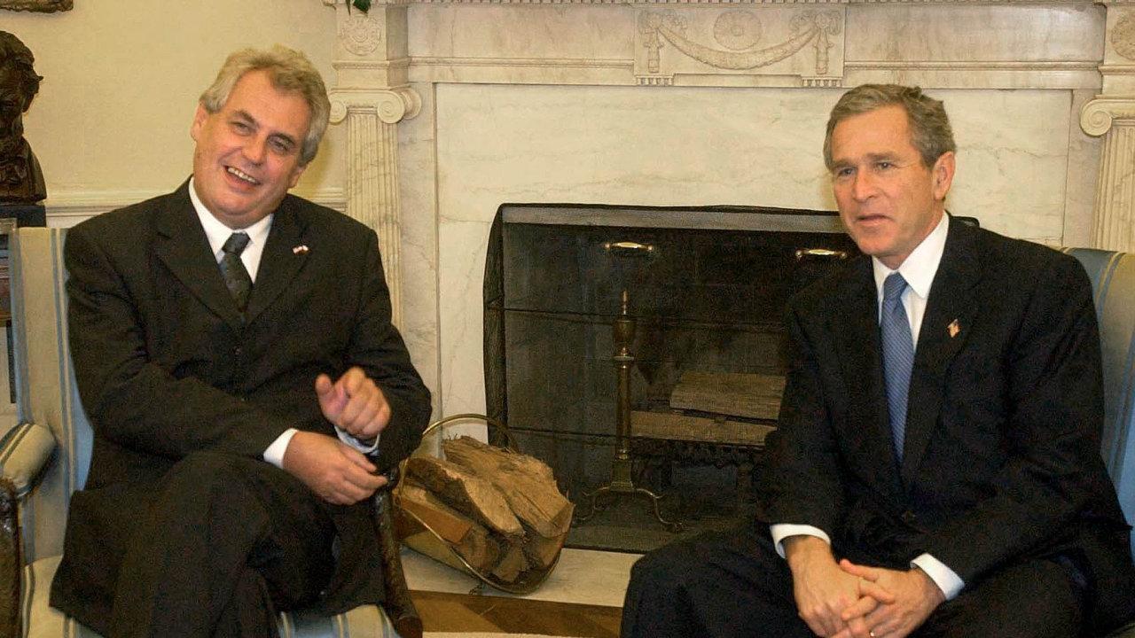 George Bush přijal vlistopadu 2001 Miloše Zemana.