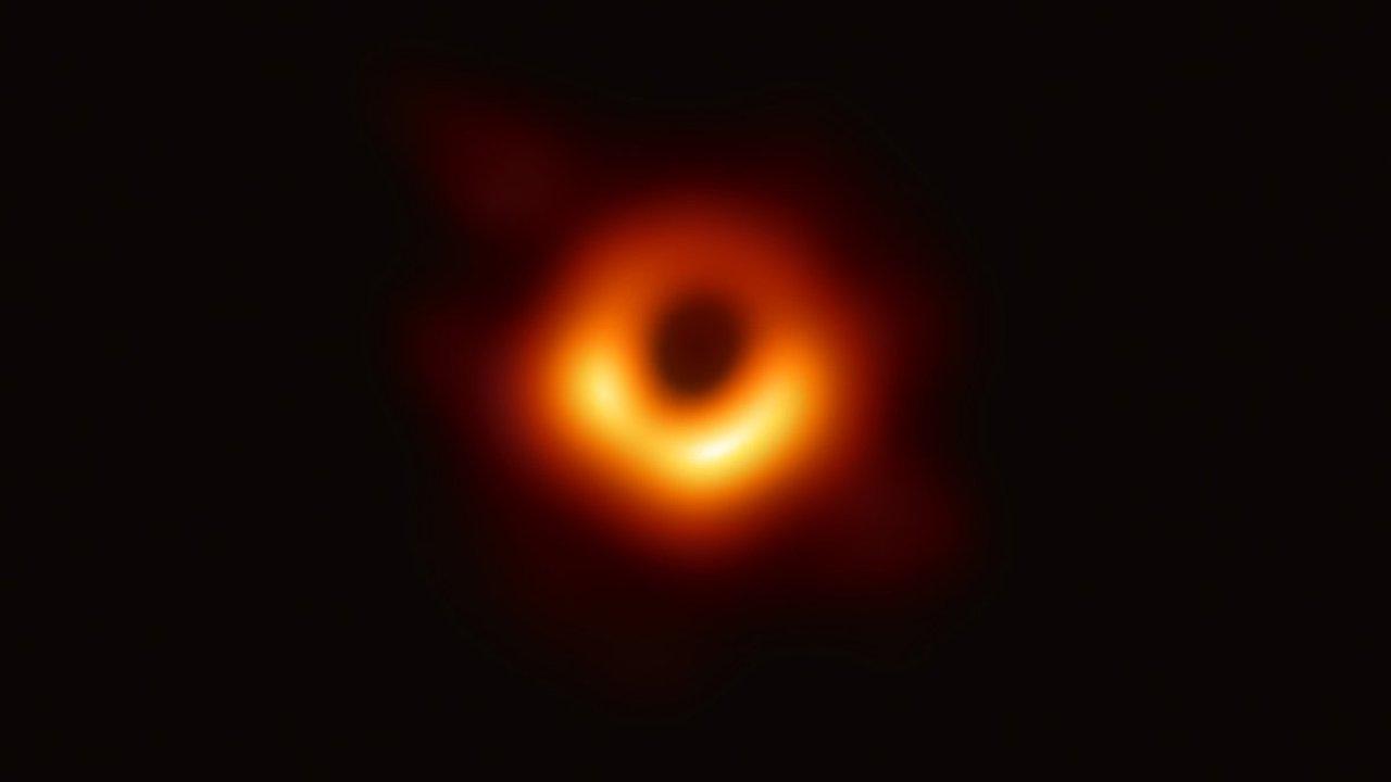 velký černý disck