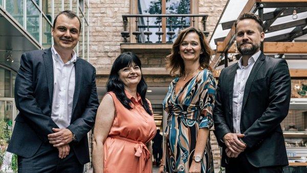 Jiří Trojan, Zdenka Čechvalová, Ivana Pourová a Jan Zeman, manažerský tým Colliers International pro správu Slovanského domu