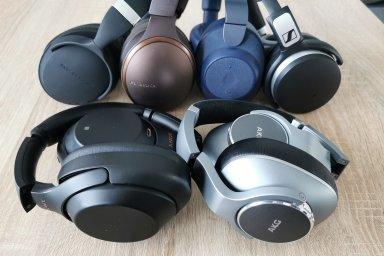 Léto bez hluku: Která z testovaných sluchátek nejlépe vypnou motory letadla i hlasité kolegy?