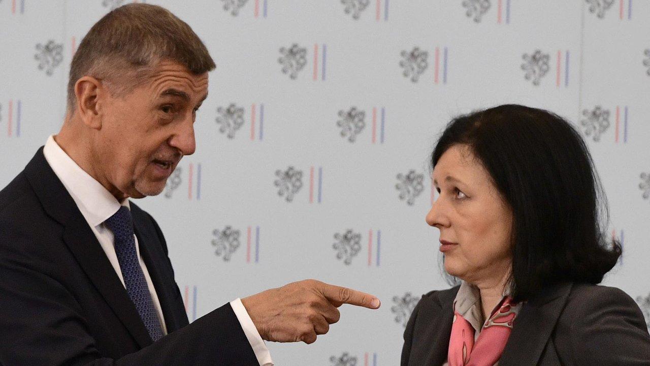 """""""Dá se říct, že je korektní aje vněm vzájemný respekt,"""" diplomaticky komentuje Věra Jourová svůj vztah s premiérem Andrejem Babišem."""