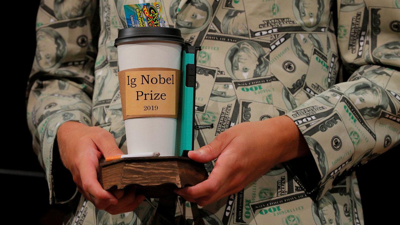 Ig Nobel Prize, zvané též Antinobel jako pravý opak skutečných Nobelových cen, se udělují v deseti kategoriích.
