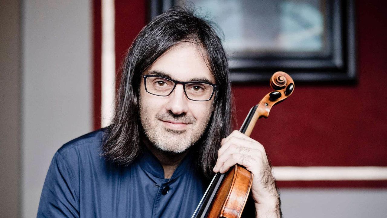 Houslista a dirigent Leonidas Kavakos.