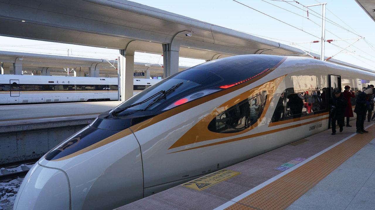 Výstavba rychlostních tratí je pro čínskou vládu prioritou.