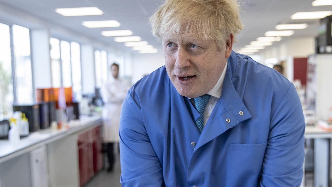 Britský premiér Boris Johnson koncem března oznámil, že se nakazil koronavirem. Vpondělí se jeho stav výrazně zhoršil amusel být převezen najednotku intenzivní péče.