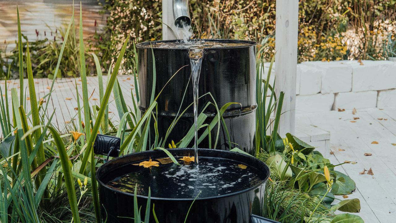 Ministerstvo životního prostředí chce, aby dešťovou vodu už odpříštího roku využívaly všechny novostavby.