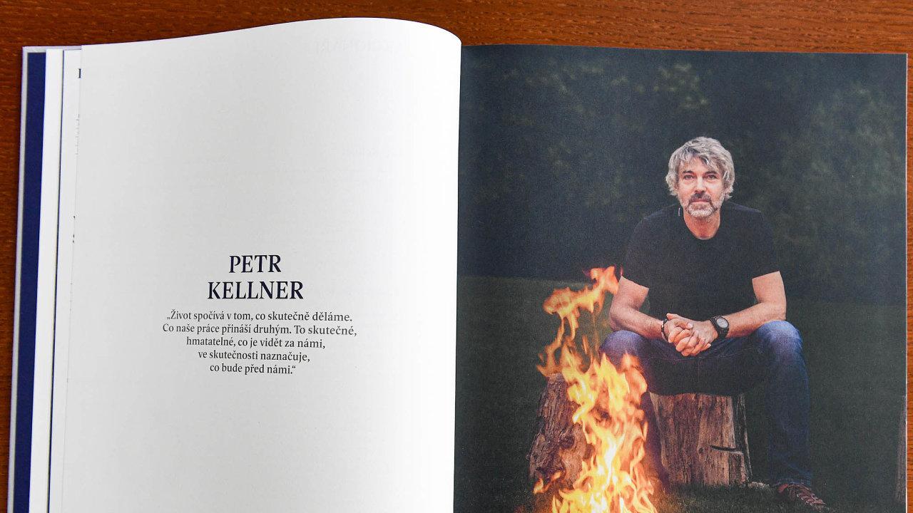 Petr Kellner na fotografii ve výroční zprávě jeho skupiny PPF.