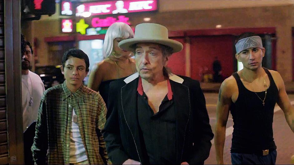 Bob Dylan si zahrál v letošním klipu k písní Duquesne Whistle.