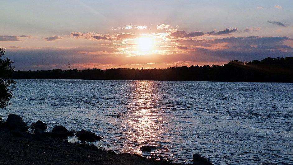Východ slunce nad Dunajem