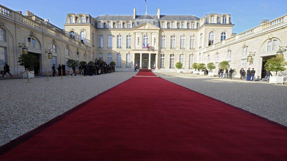 Výměna v Elysejském paláci