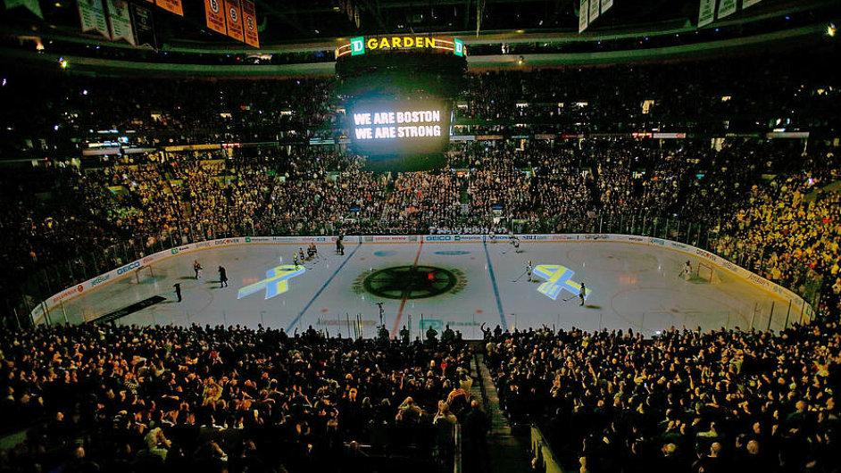 Boston Bruins - Buffalo Sabres: Vzpomínka na tragédii při maratonu