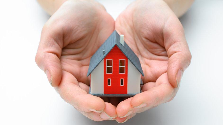 Hypotéky dál zlevňují