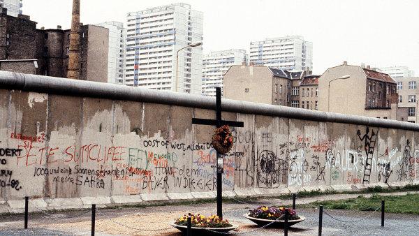 Krev 140 lid� se z Berl�nsk� zdi ned� sm�t. Po 25 letech, ani pozd�ji