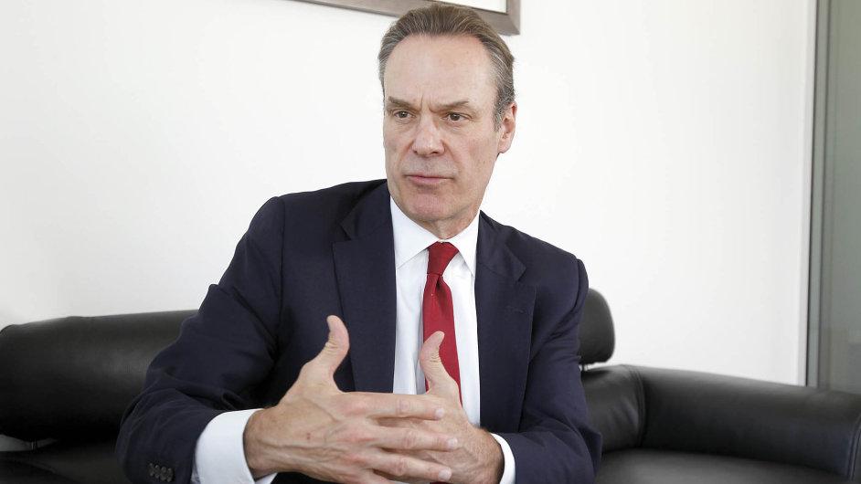 Šéf Citigroup pro Evropu, Afriku a Střední východ James Cowles